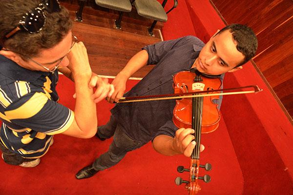 Direção do Instituto informa que alunos devem possuir o instrumento que pretende se aperfeiçoar