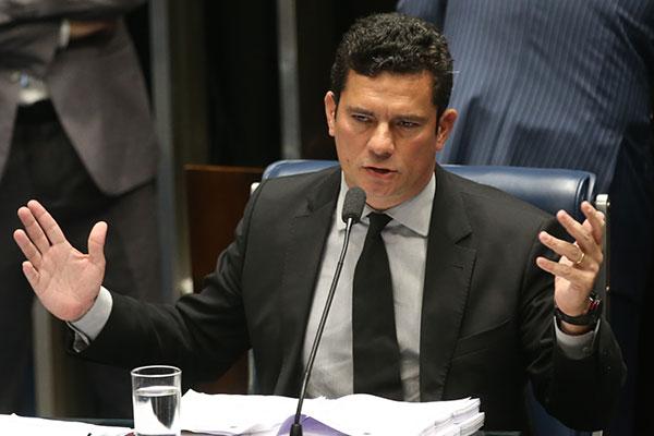 Sérgio Moro não reconheceu a competência do plantonista