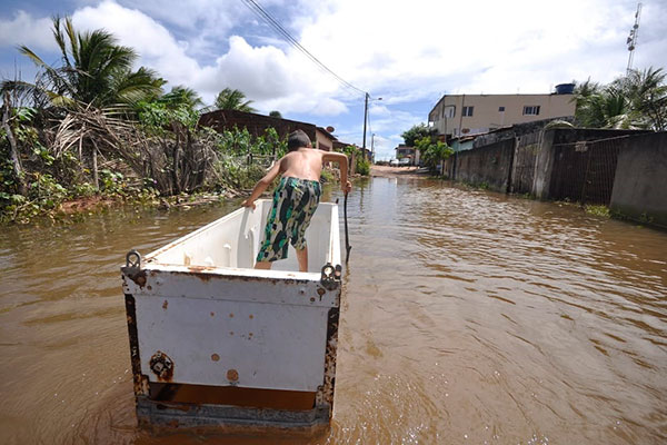 Moradores foram afetados pelos estragos causados pelas chuvas em Touros