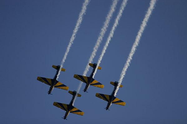 Grupo da Esquadrilha da Fumaça esteve em Natal em novembro de 2011 com aeronaves Tucano T-27