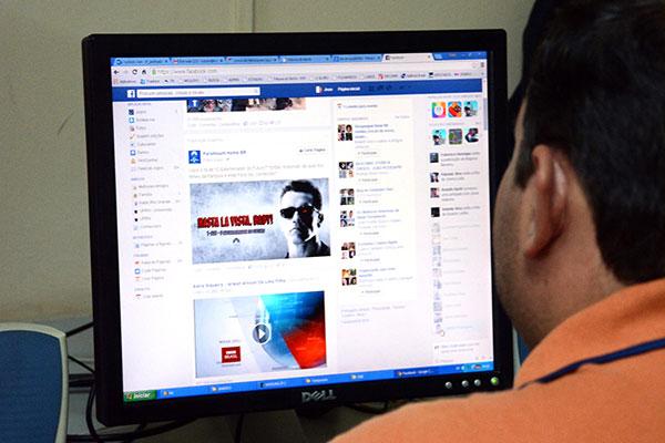 Estudo mostra que brasileiros usuários do Facebook concentram suas opiniões em temas relacionados às áreas de economia e segurança