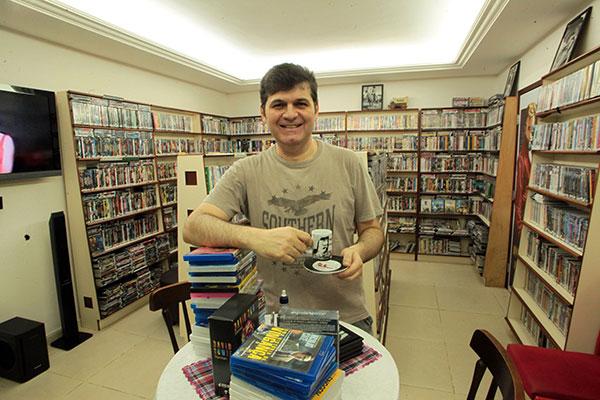 João Batista Júnior diz que clima de cineclube atrai a clientela mais antiga