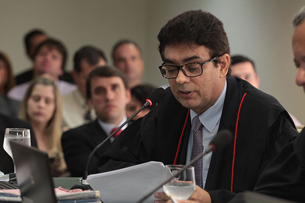 Francisco Potiguar Júnior apresentou o voto que aponta irregularidades na antecipação