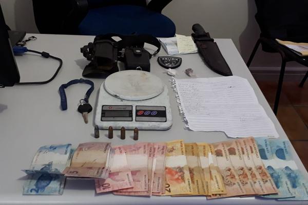 Durante operação, Polícia Civil apreendeu drogas e dinheiro no bairro de Mãe Luiza