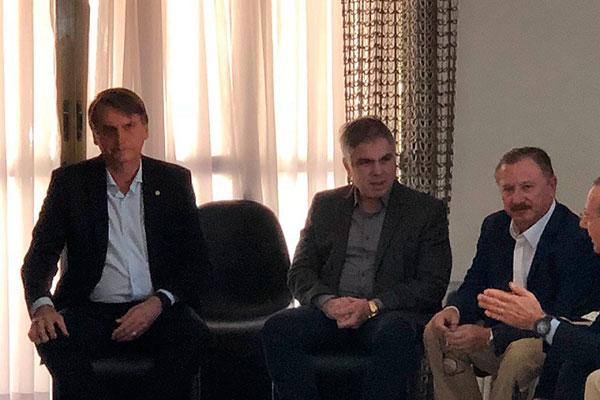 Flávio Rocha e o candidato a presidência Jair Bolsonaro se encontraram nesta sexta