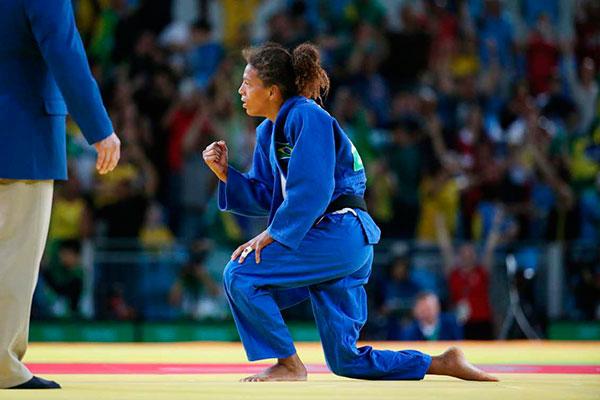 Rafaela Silva é medalhista de ouro olímpica e pode disputar Tóquio em 2021