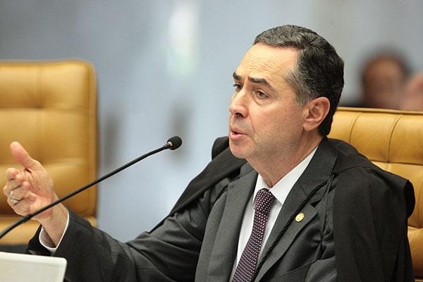 Luiz Roberto Barroso indicates that he