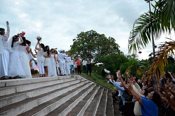 Comunidade evangélica Cidade de Refúgio celebrou casamento de 10 casais homoafetivos. Nova edição já tem dez inscritos