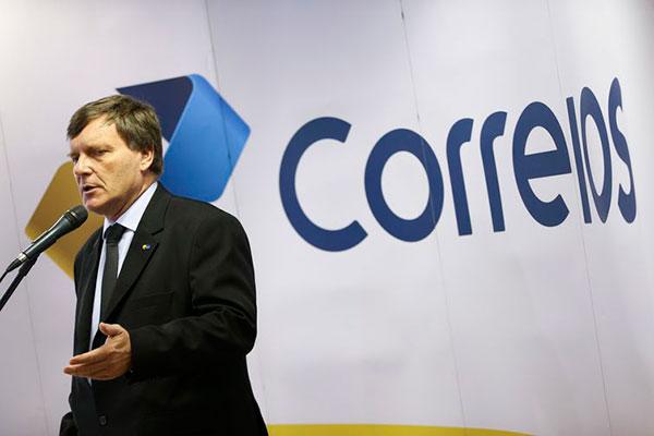 O presidente dos Correios, Carlos Roberto Fortner, dá entrevista coletiva para esclarecer dúvidas sobre a cobrança do despacho postal para encomendas não tributadas