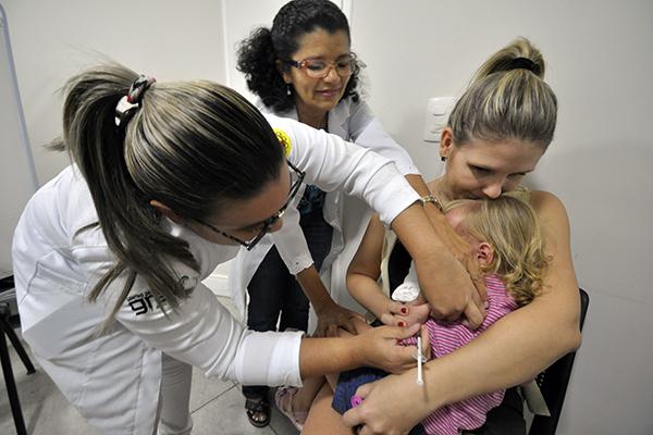 Natal teve um ponto de vacinação no shopping até 18h de ontem