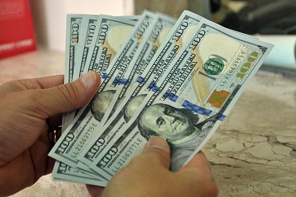 Dólar pressiona aumento do valor da gasolina e óleo diesel