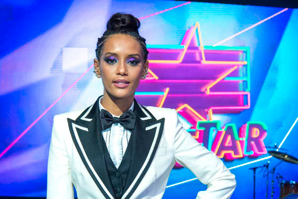 Taís Araújo comanda o programa que estreia próximo domingo