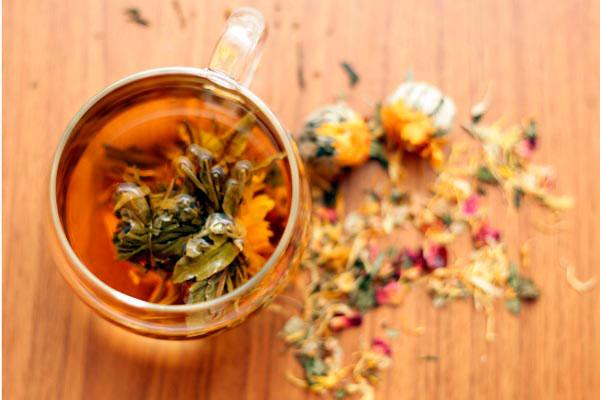 Blend de flores e ervas aromáticas compõem o chá Fresh Blossom