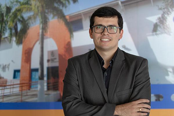 Itamar Diniz Araújo, especialista em Administração Pública, Auditoria e Controladoria