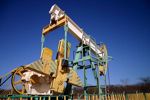 Semana inicia com novidades no mercado internacional e local de produção de petróleo e gás