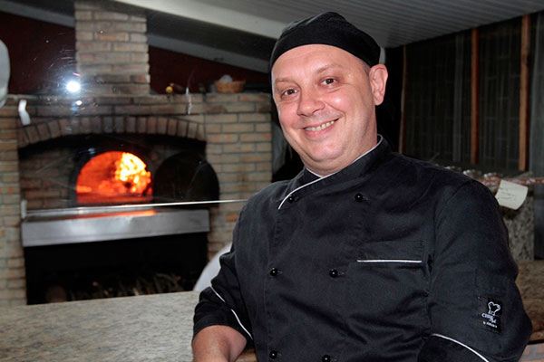 Chef Roberto Cavani também investe nas pizzas e risotos