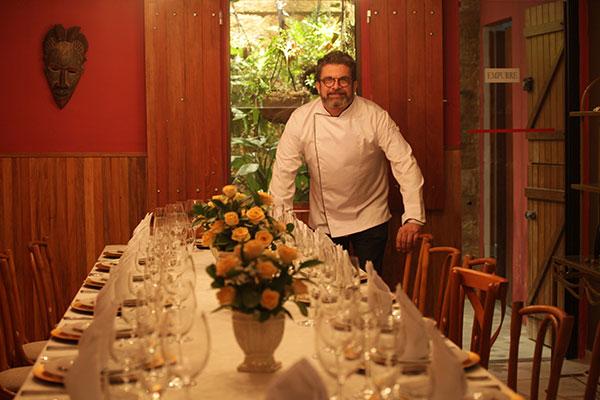 Ex-restauranteur, Haroldo Varela investe em sua experiência em receber bem