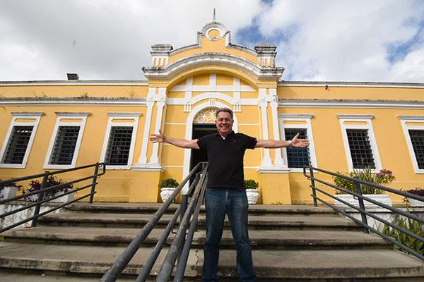 Produzindo o Forró com Turista há mais de três décadas, Francisco Barbosa relembra atrações, casas noturnas e histórias vividas no Centro de Turismo e destaca a importância do espaço como equipamento de lazer e cultura