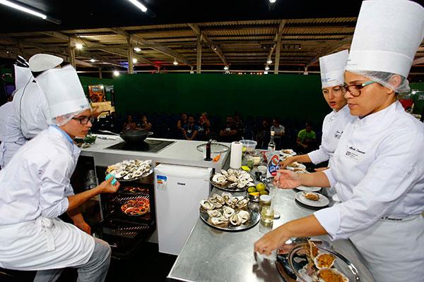 Espaço volta a oferecer uma variada programação de palestras e oficinas culinárias, com chefs convidados do RN e de fora