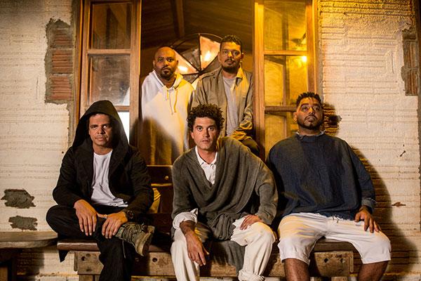 Após oito anos de pausa, Cordel do Fogo Encantado estreia no MADA