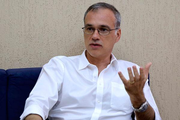 Resultado de imagem para professor José Daniel Diniz Melo