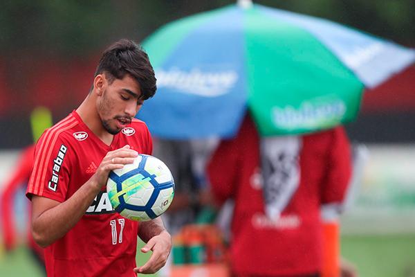 262b6628696ef Diretoria do Flamengo confirma ida de Paquetá para o Milan - Tribuna ...