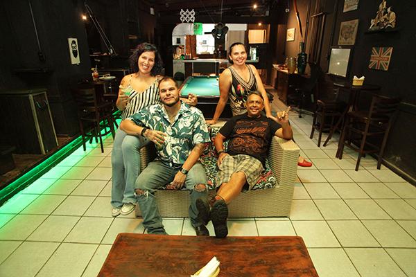 No comando, Pedro Neto, Carla e os sócios João Paulo e Débora