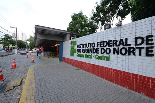 IFRN abriu três editais para especialização no Estado