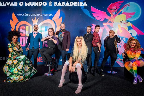 Diretores, produtores e elenco de Super Drags reunindos: inspiração veio da veterana Silvetty Montilla, que dubla na série, assim como Pabllo Vittar e Suzy Brasil