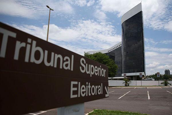 Empresa contratada pelo TSE cobra mais de 21 milhões da Corte