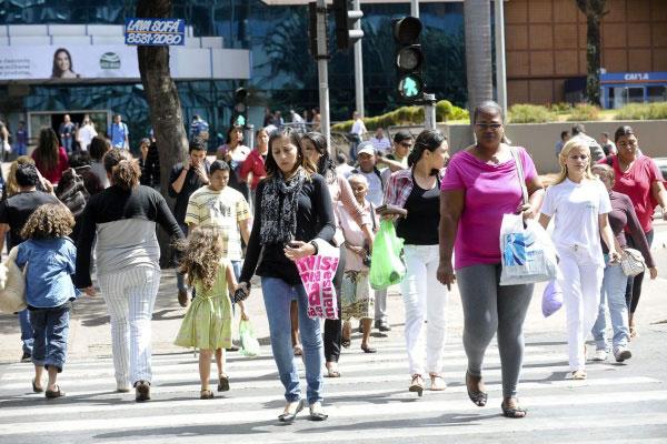 De acordo com o Instituto Brasileira de Geografia e Estatística (IBGE), taxa de desemprego cai para 11,7%