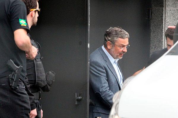 Antonio Palocci foi liberado por uma decisão do TRF-4