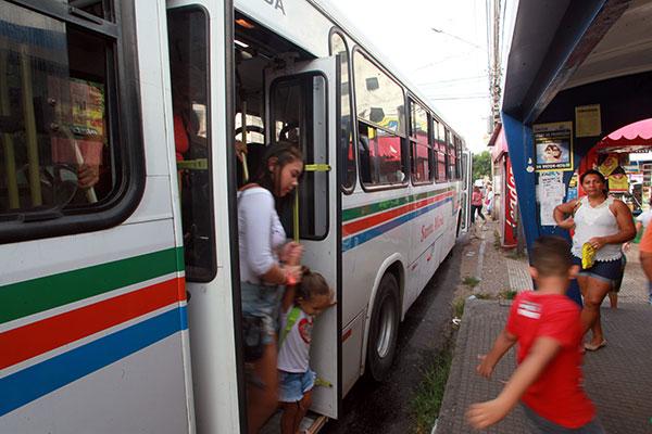 Último dia de votação definiu que  30% dos ônibus terão piso baixo e ar condicionado