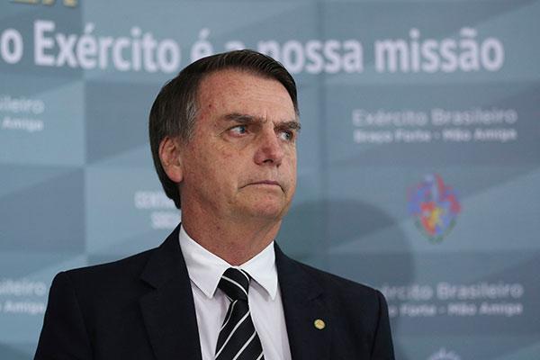 Bolsonaro requer mudanças, mas não apontou quais; ele disse, ainda, não entender de economia
