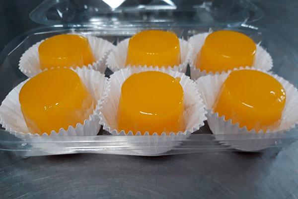 Quindins  são servidos na Totoia e também fazem parte dos kits do Bazar natalino do RM Gastronomia