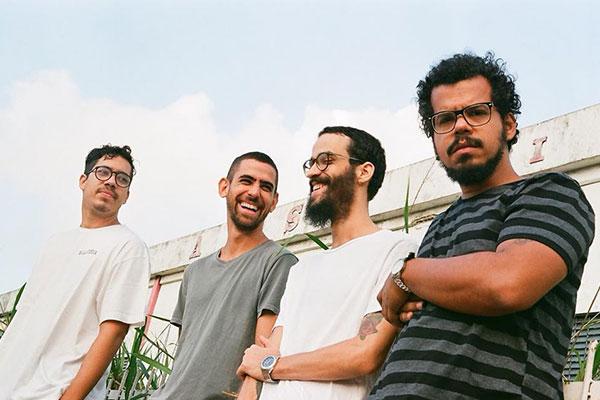 Walter Nazário, Leandro, Ian e o novo integrante Rodolfo Almeida, guitarrista que chegou após saída de Dimétrius, seguem alheios a estilos definidos