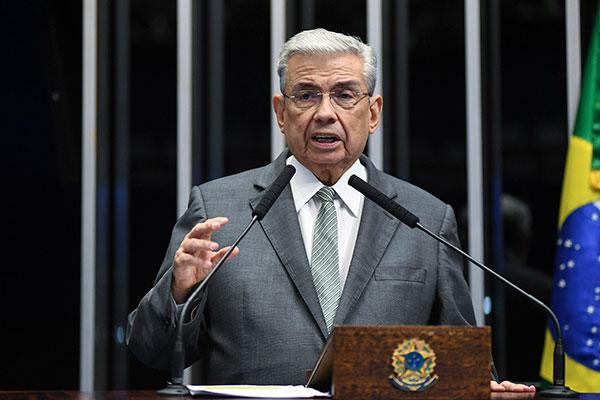 O senador Garibaldi Filho se despediu do senado