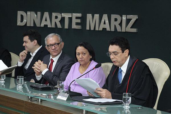 Poti Júnior ficará na presidência do TCE até 2020