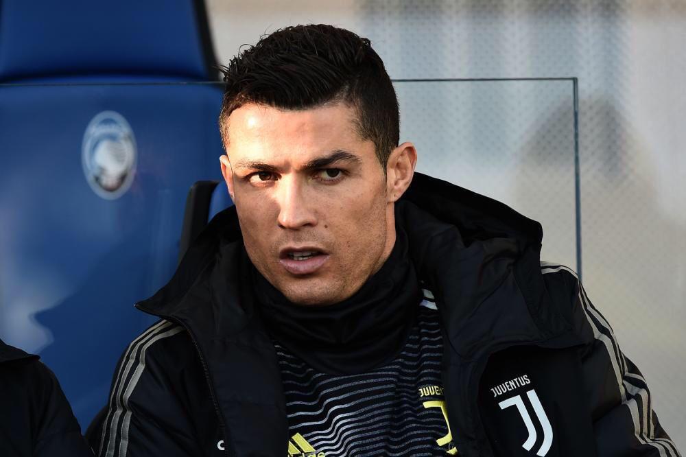 Cristiano Ronaldo começou no banco de reservas