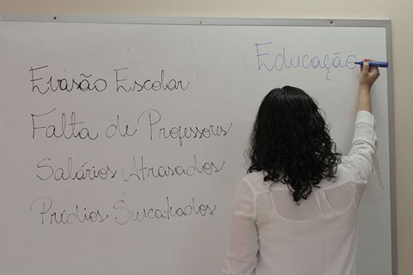 Com uma nota de 2,9 no índice, o ensino médio da rede pública estadual potiguar fica abaixo da meta estimada para o ano de 2018, que foi de 3,9. Escolas