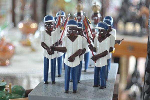 Na Galeria do Centro, o trabalho diferenciado do seridoense Jeicifran Azevedo traz a representação dos Negros do Rosário
