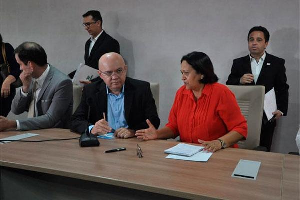 Fátima Bezerra disse que vai adiantar pagamentos, mas não tem data para quitar os atrasados