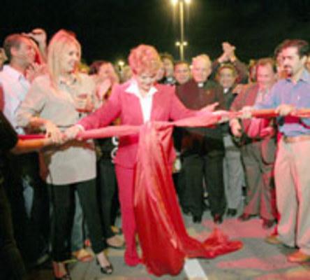 EVENTO - Governadora Wilma de Faria corta a fita de inauguração da ponte
