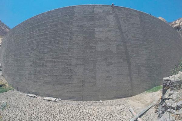 Segundo o Igarn, há cerca 960 milhões de metros cúbicos de água disponíveis. Reservatórios como o Gargalheiras estão secos