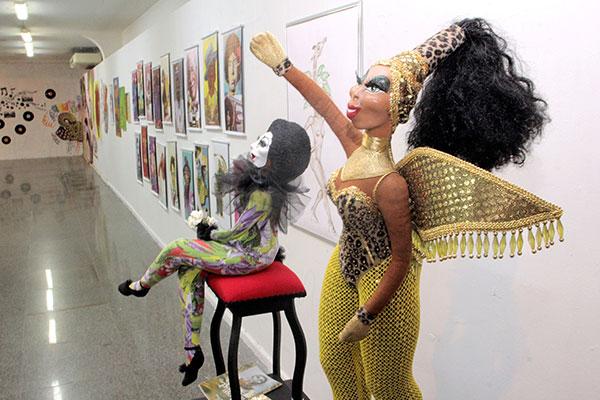 Bonecas de Plínio Faro compõem a mostra de arte urbana