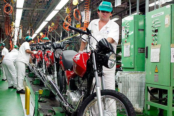 Produção de motos voltou a crescer após seis anos de queda