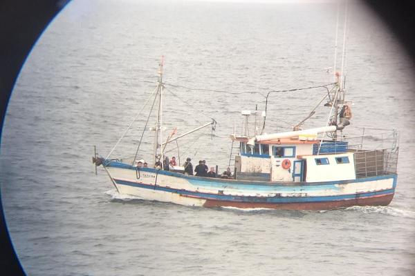 Navio brasileiro estava realizando pesca ilegal de corvinas e possivelmente de atum. Embarcação foi interceptada pela Marinha do Uruguai