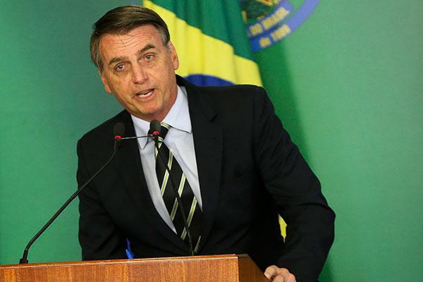 Presidente Jair Bolsonaro alinha detalhes finais do discurso que fará no palco principal do Fórum