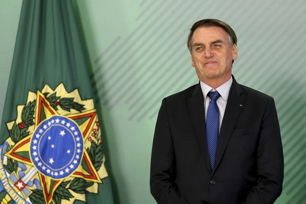 Bolsonaro viaja para Davos