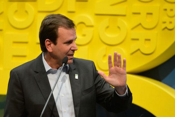 Paes é acusado de receber vantagens indevidas nas campanhas de 2010 e 2012